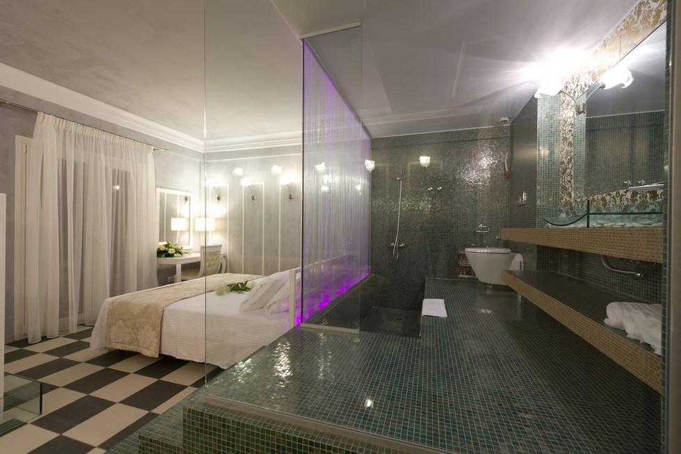 pebble suite
