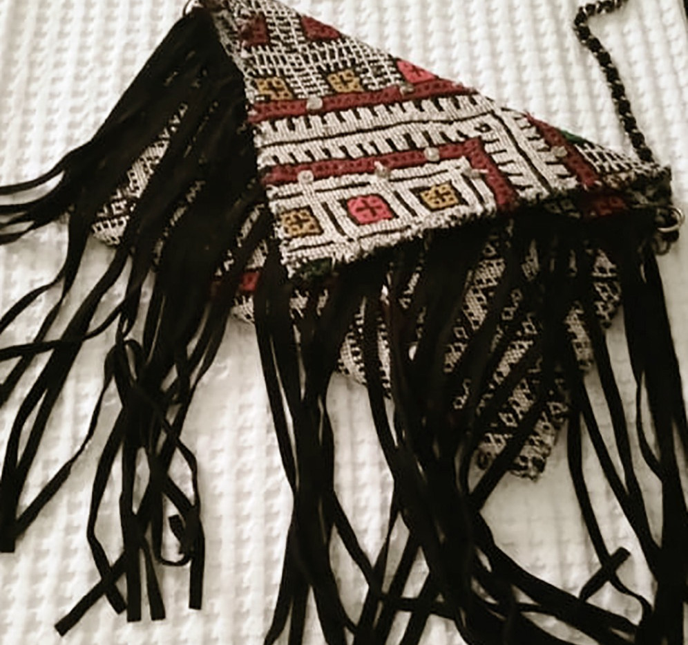 kilim%20bag%20black2_edited.jpg