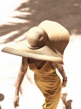 over sized straw hat, brown