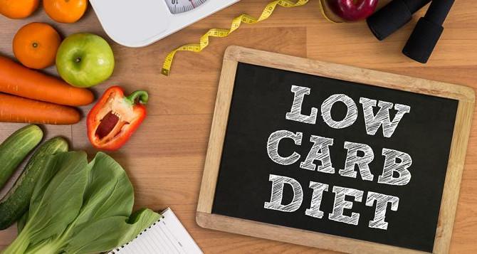 Je veux maigrir : moins de glucides ou moins de calories? Ce que dit la science...