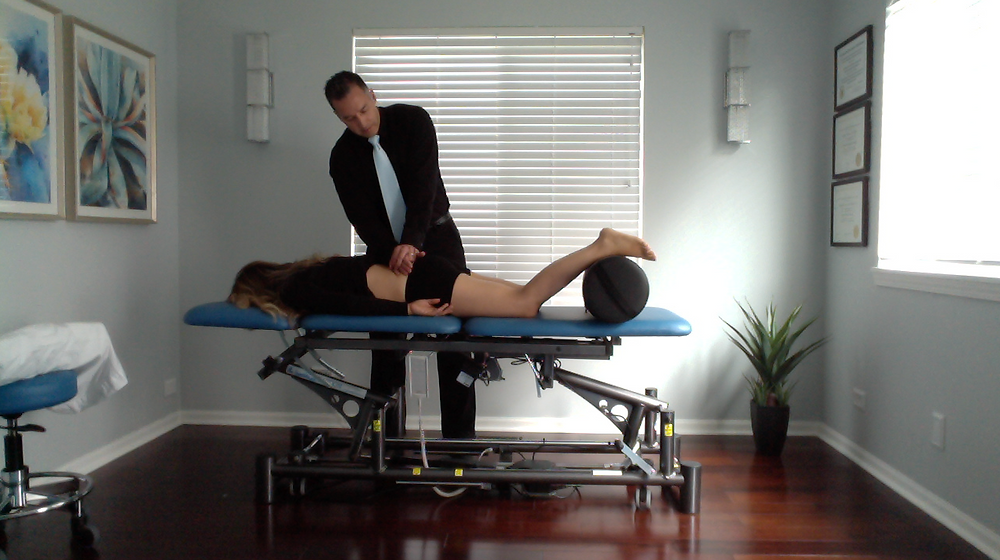 Dr. Damon Bescia DPT, orthopedic manual physical therapist of Naperville Manual Physical Therapy