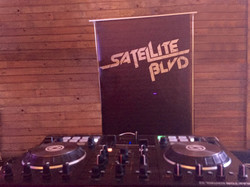 DJ set up 1