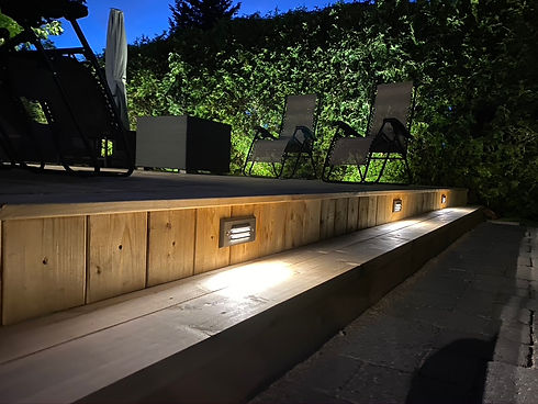 Apex Outdoor Systems, Deck Lighting, Landscape Lighting Toronto, Landscape Lighting Burlington, Landscape Lighting Oakville, Deck Lighting Oakville, Outdoor Lighting Oakville