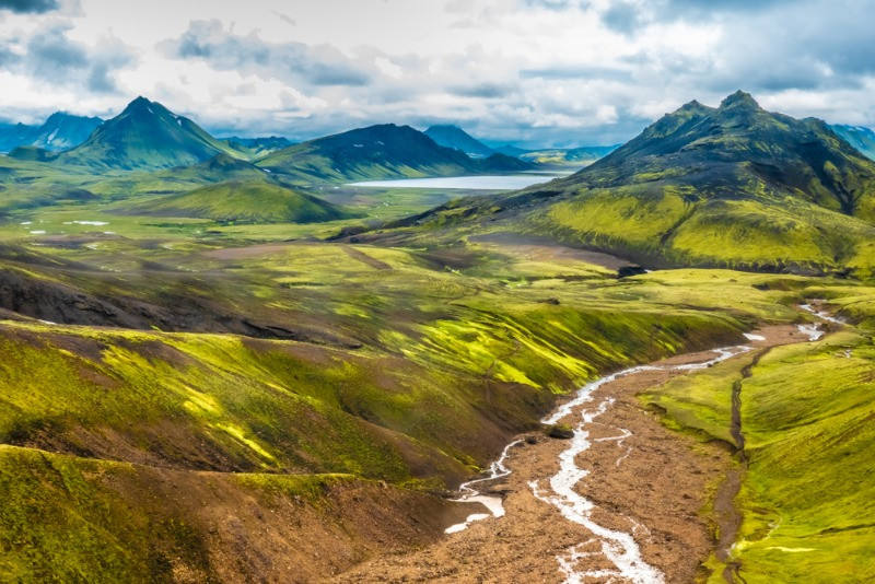 A magnificent view in the middle of the Laugavegur hiking trail in Iceland