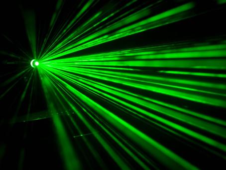 «- Vous faites bien l'opération du Canal carpien au laser, Docteur Falcone?- 🤔»