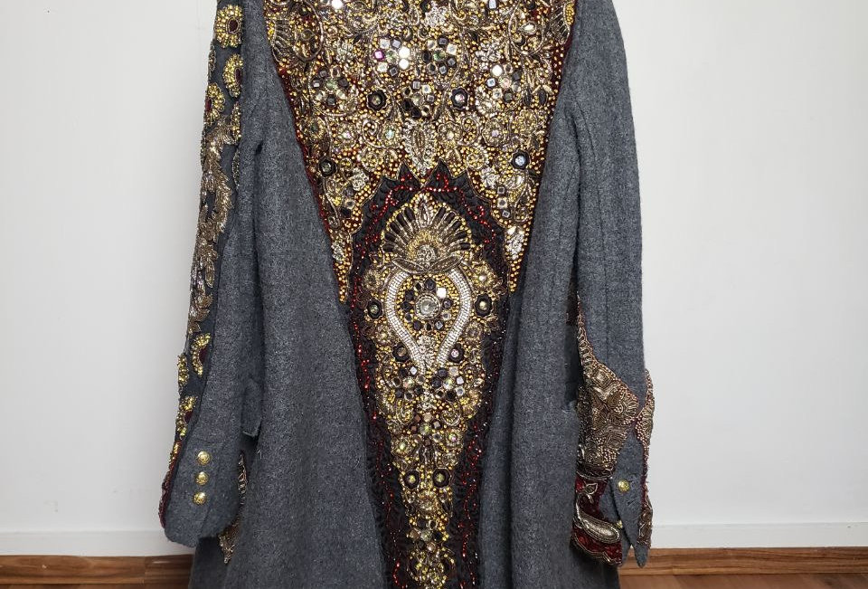 AbsoLutely RoYal coaT (M)