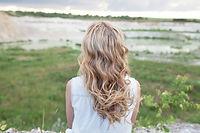 jeune-femme-aux-cheveux-longs-beaute-rec