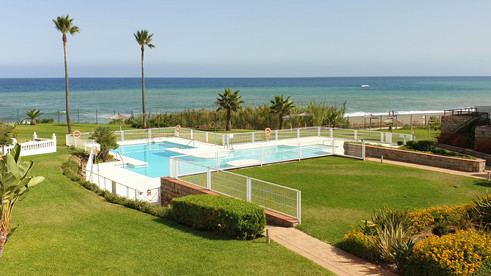 Pool and seaview from Casitamar