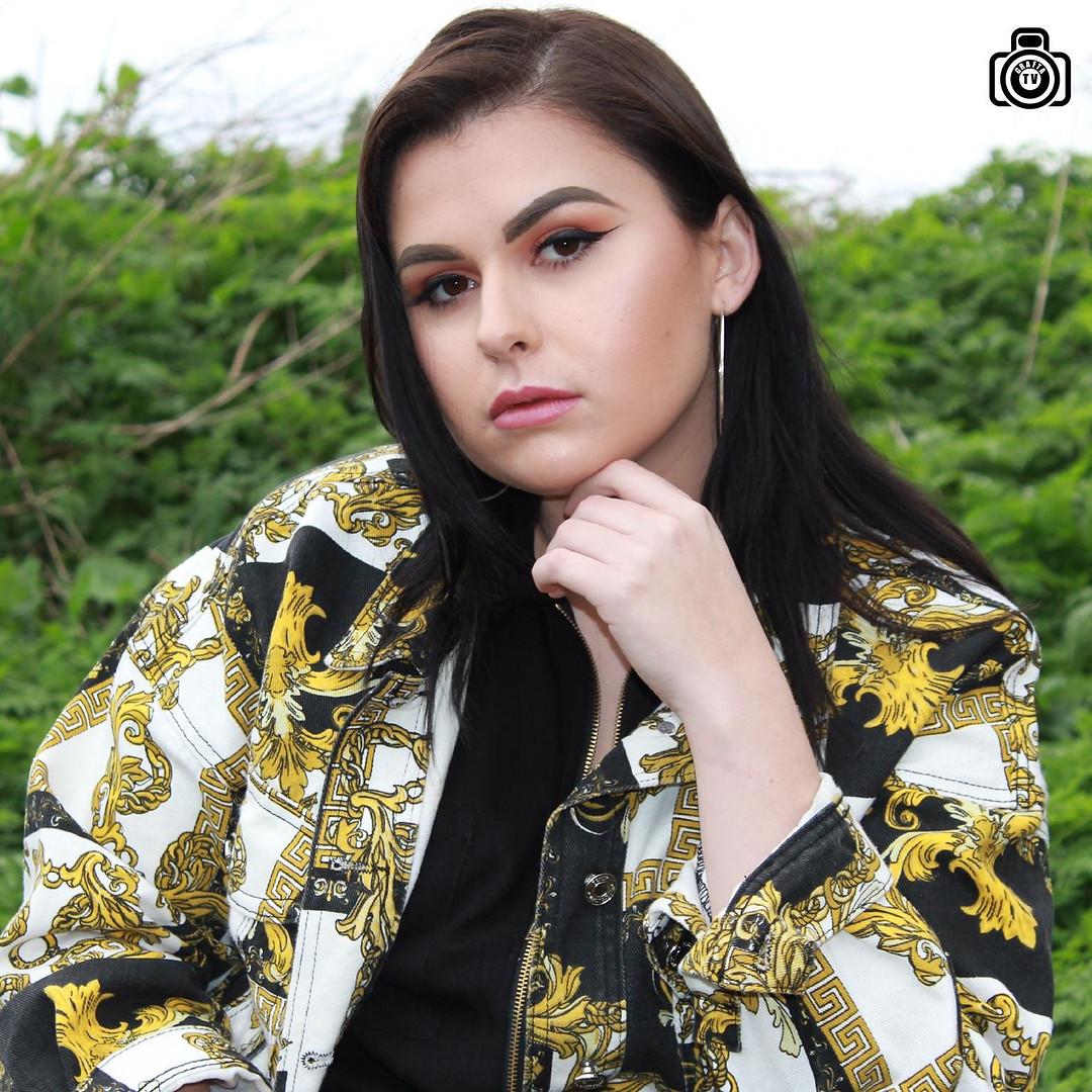 Elizmi Haze singer from kent .jpeg