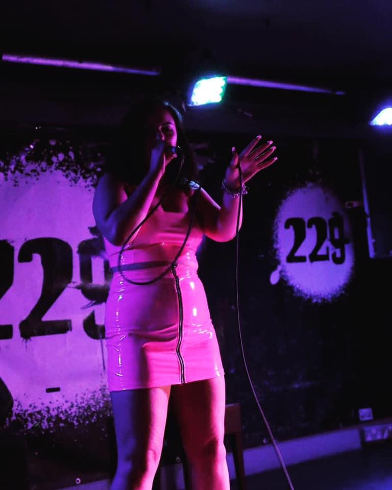 Elizmi Haze singer from Kent .jpg