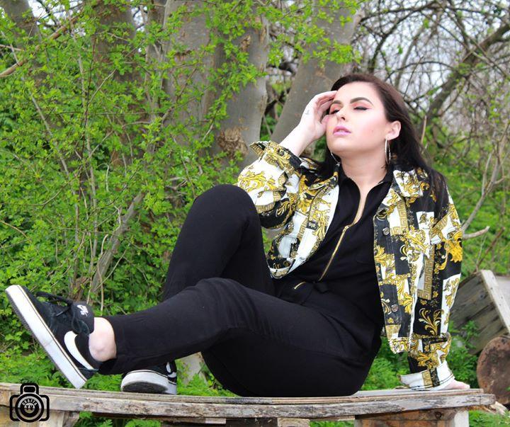 Elizmi Haze singer fro hire in kent .jpg