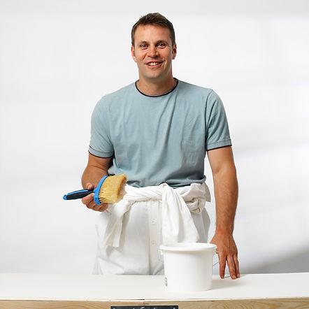 Painter sorrindo