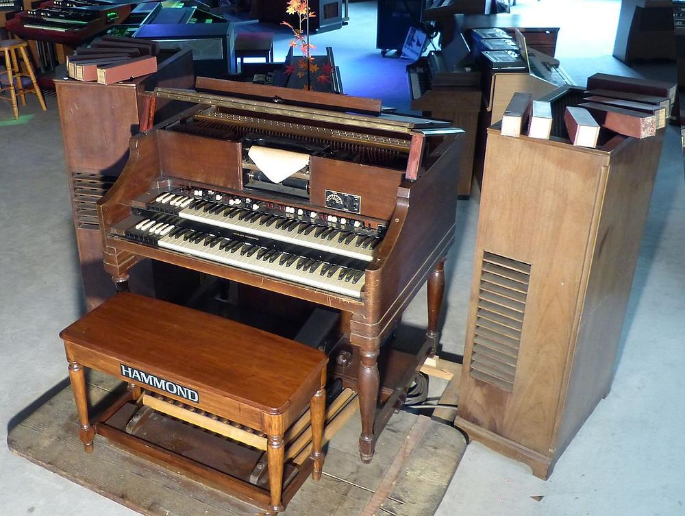 Aeolian Hammond BA player organ with Hammond tone cabinet (1938)