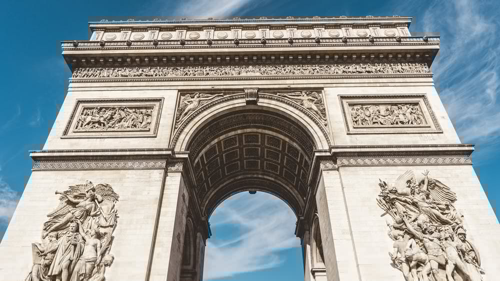 L'Arc de Triomphe. photo by Chait Goli on pexels.com , CC License