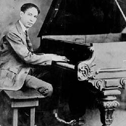 Morton at the keys