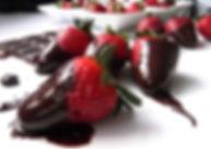 фрукты к шоколадному фонтану, фрукты и ягоды в шоколаде, настоящий шоколад, сочетание фруктов и шоколада, заказать фрукты к шоколадному фонтану в Перми, ягоды и шоколад