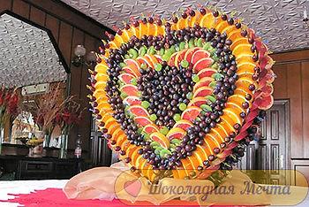 фруктовое ассорти, фруктовое сердце, оригинальная подача фруктов в Перми