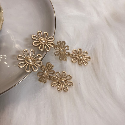 Jaelia Trio Flower Drop Earrings