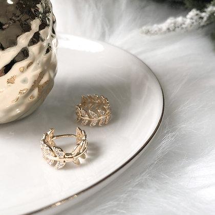 Arya Dainty Leaf Huggies Earrings