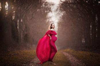 robe rouge avec cape.jpg