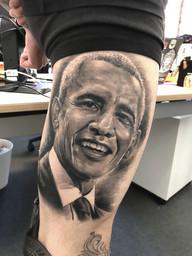 Obama Leg.jpg