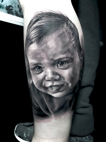 Baby Portrait Leg.jpg
