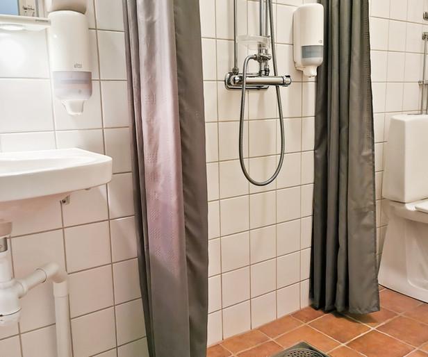 Enkelrum dusch och toalett