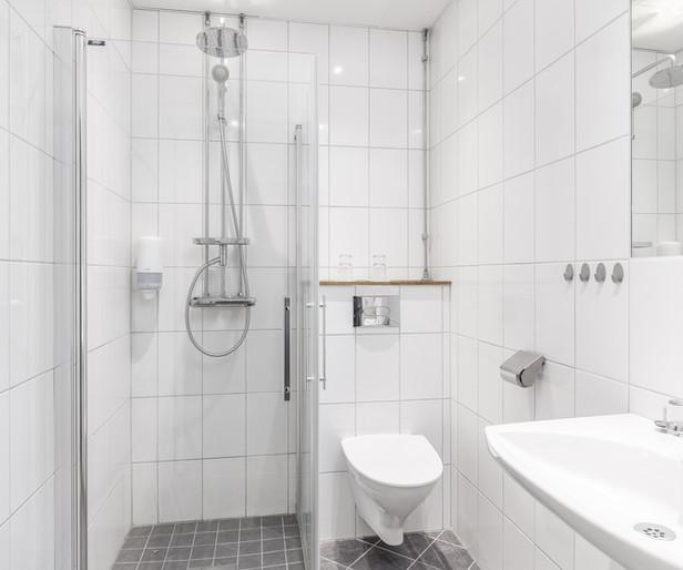 Dubbelrum, dusch och toalett