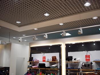 светодиодные светильники, освещение магазинов, освещение супермаркетов, освещение гипермаркетов, торговое освещение, торговые светильники, трековые светильники, трековые прожектора