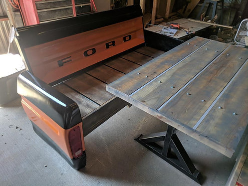 Tailgate Bench Booth with Table