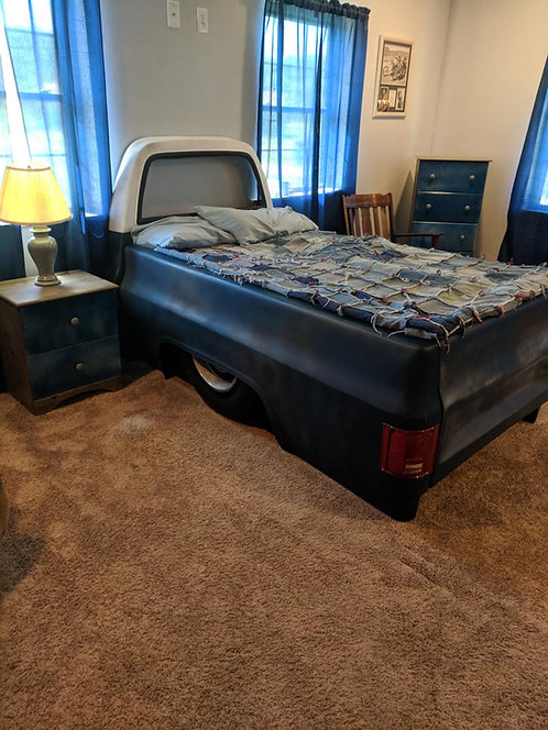 Twin size square body bed