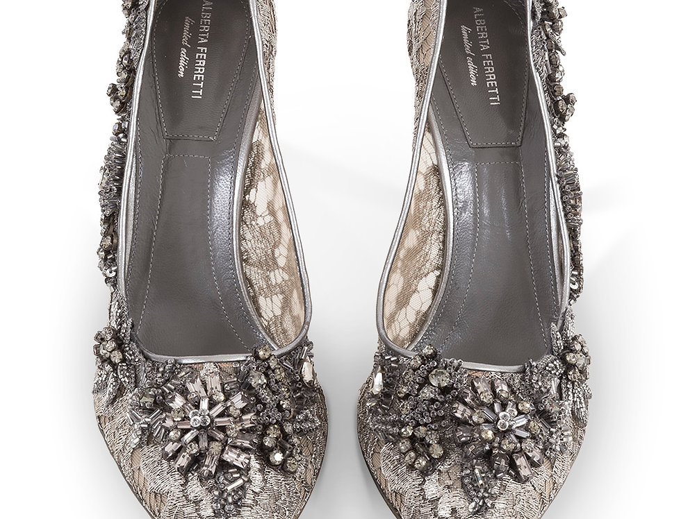 Alberta Ferretti Embroidered Pumps