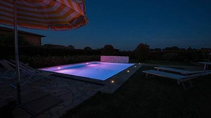 Iluminacion-piscina-11-1024x576.jpg