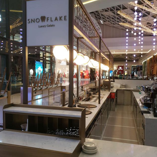 New food court kiosk for Snowflake Gelato