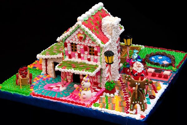 2020 GBD Gingerbread-Smackdown - People's Choice - Favorite Use of Candy Award - Farm House by Diane Alancraig