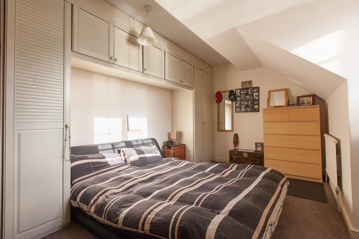 room 2 a