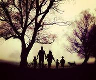 family-1787565_1920.jpg