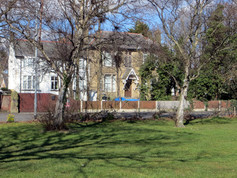 Do you know the link between 'Ashurst' and Duke Street Park?