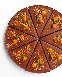 Oříškovo-čokoládový dortík.jpg