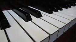 piano-keyboard-1505679874kXG