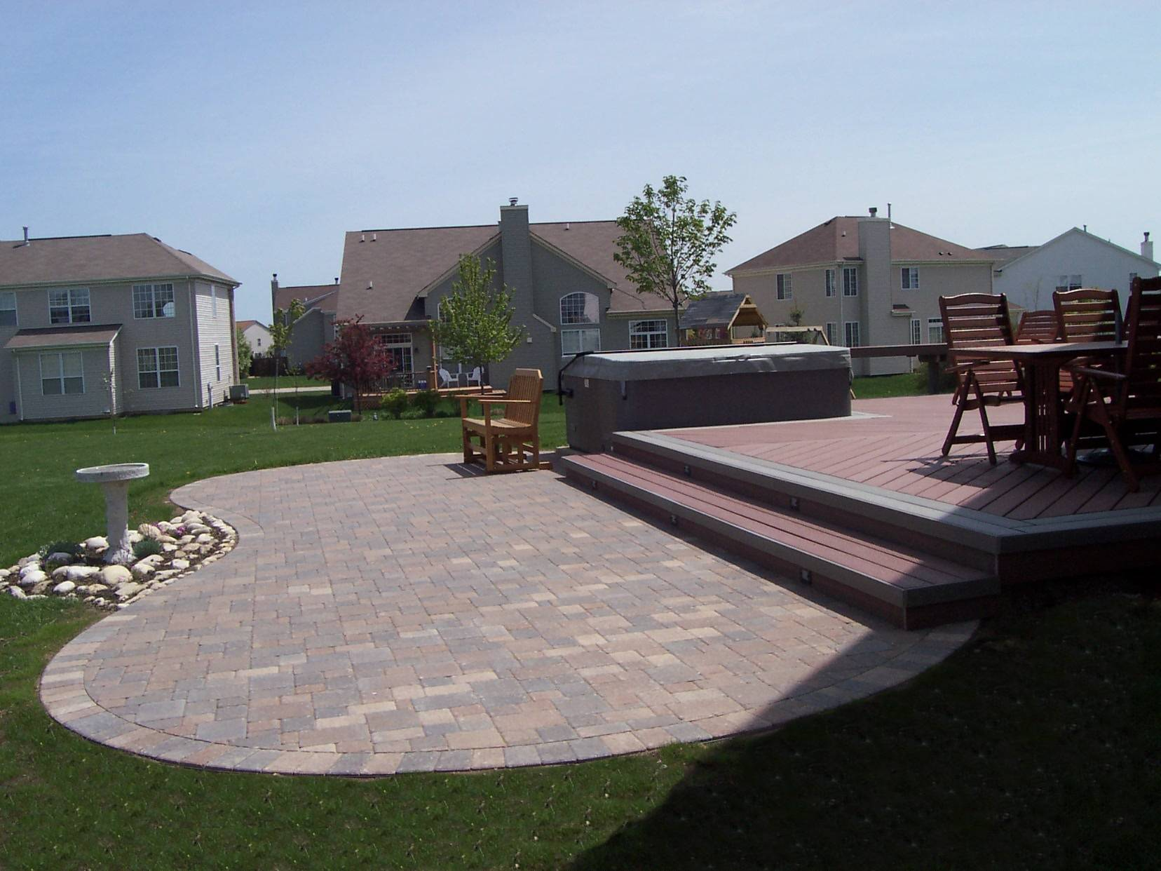 composite-deck-with-paver-patio-heisel1