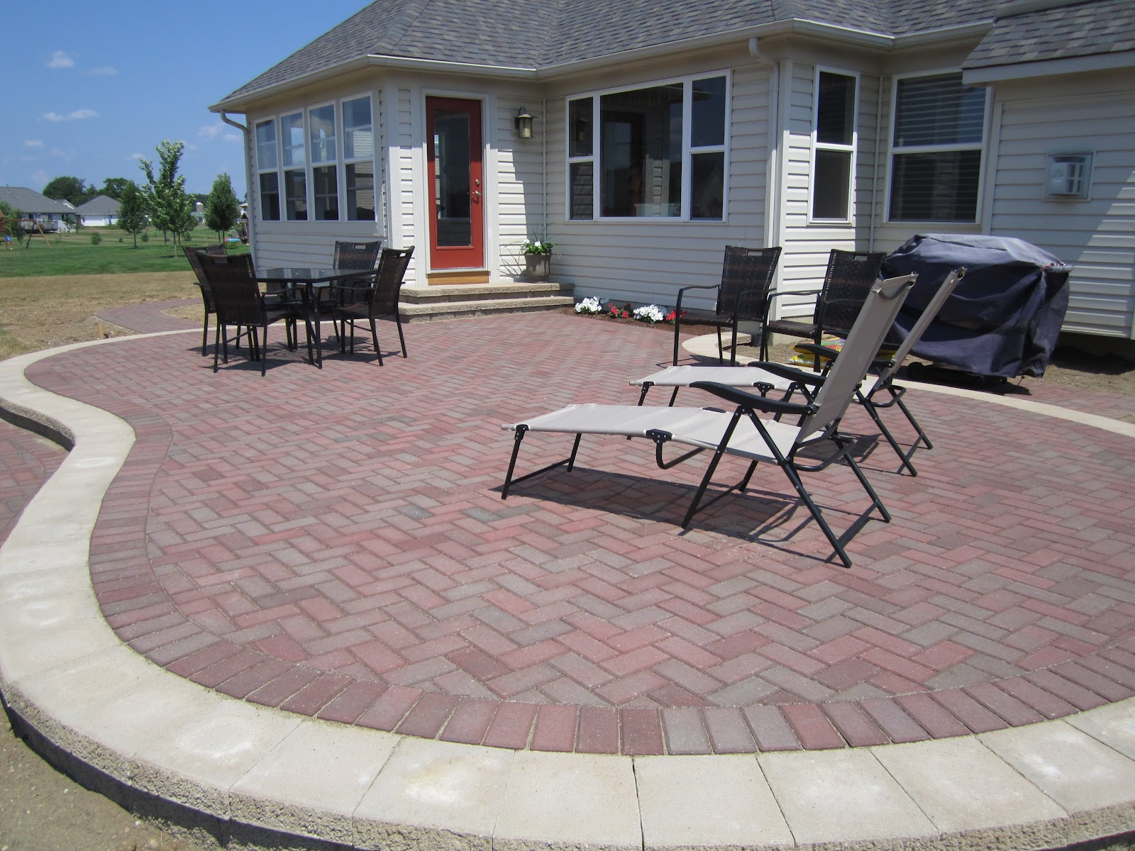 raised pavers patio