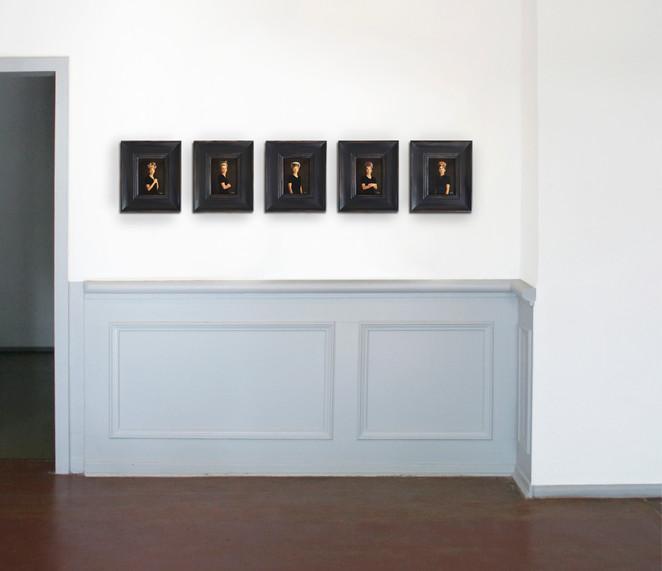 Five Women Ausstellung niedriger.jpg