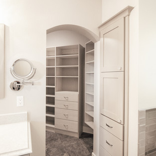 650th Avenue Master Bath View into Closet