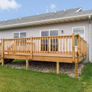 1103-sioux-exterior-back-deck-2jpg