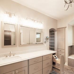 650th Avenue Master Bathroom