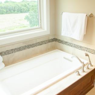 oldehoeft-master-bath-1jpg