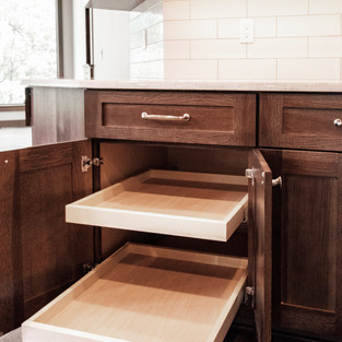 650th Avenue Kitchen Cabinet Feature_Roll Out Shelves
