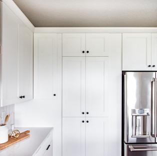 5438 Windrose Spec Hidden Pantry Doors