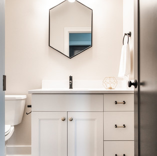 5438 Windrose Spec Guest Bath